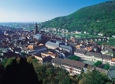 Ansicht Heidelbergs vom Schloss aus